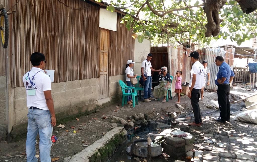 Taking an eye test outdoors in Timor-Leste