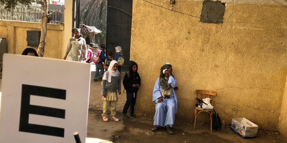 People in upper Egypt get an eye health check-up by Magrabi Foundation