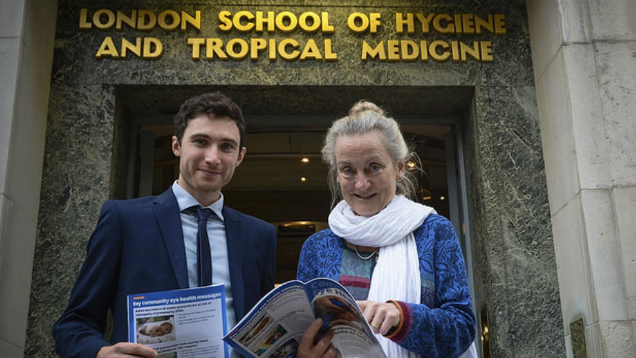 Professor Clare Gilbert shares the ROP issue with George Smith from the Queen Elizabeth Diamond Jubilee Trust
