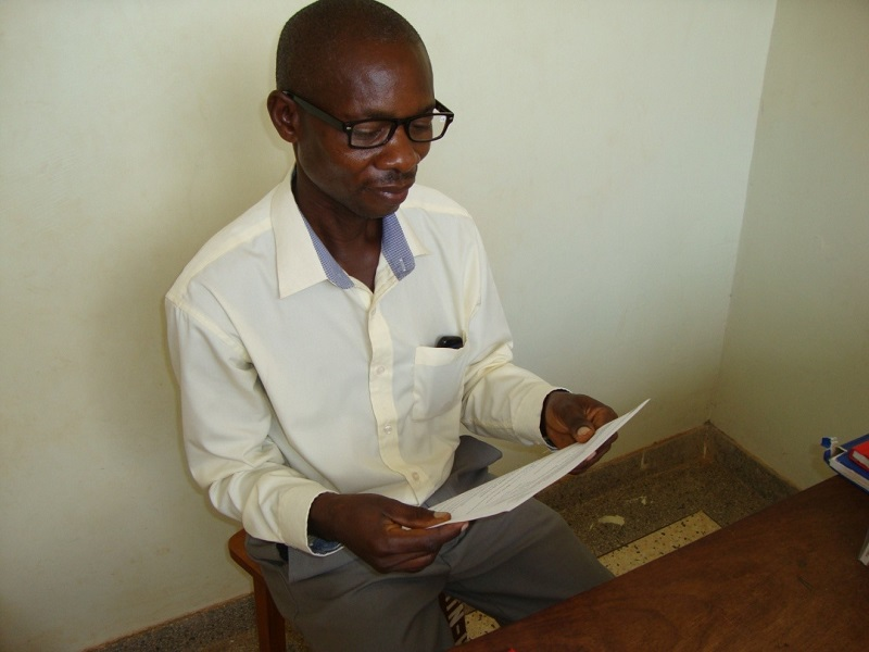 Teacher Daniel now reads easily with his spectacles