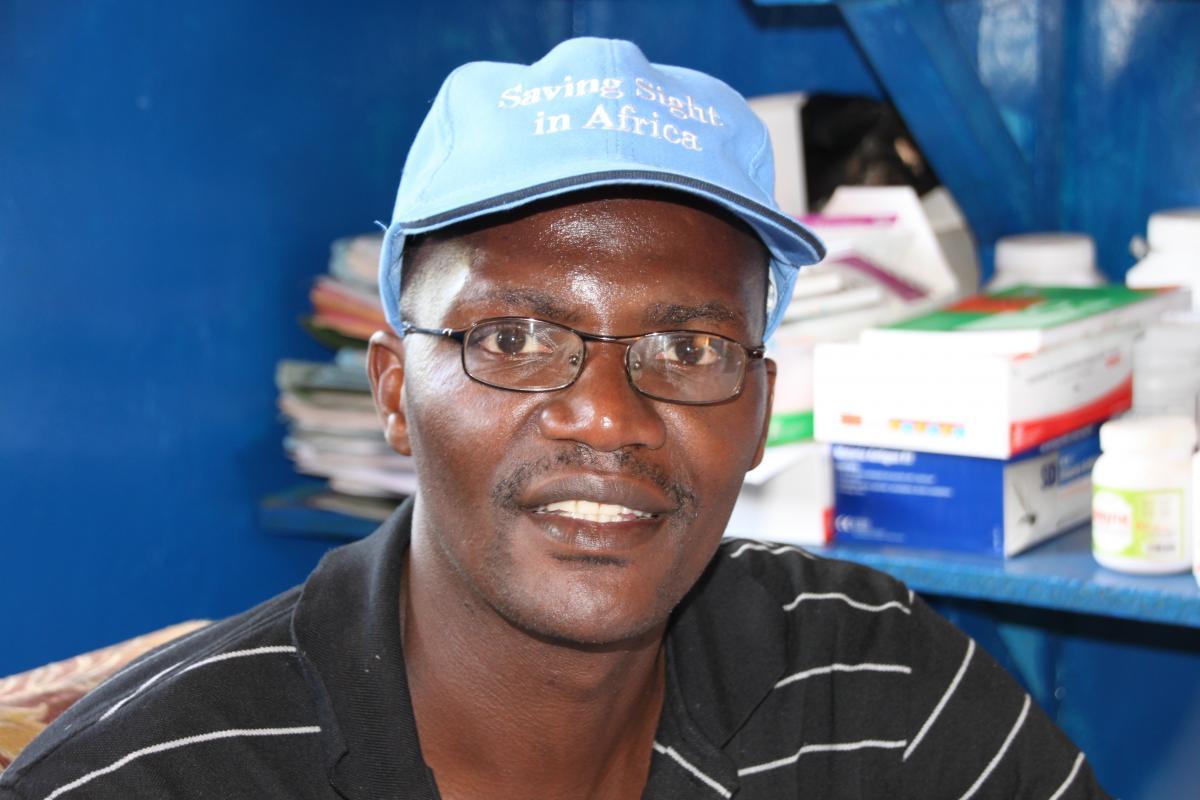 Ophthalmic Nurse Duncan Chimbila