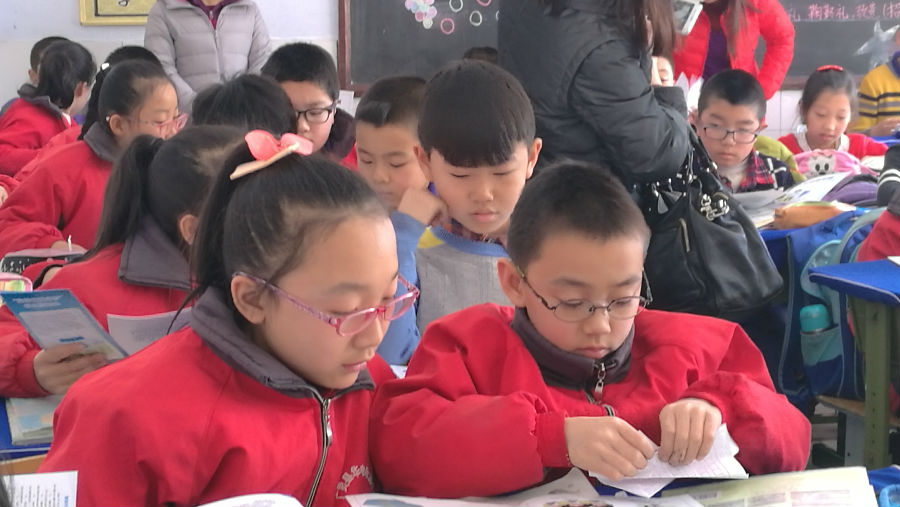 Two fourth graders with myopia in a county in China/ Orbis China/ Story: The Chinese Government takes steps to tackle myopia in children
