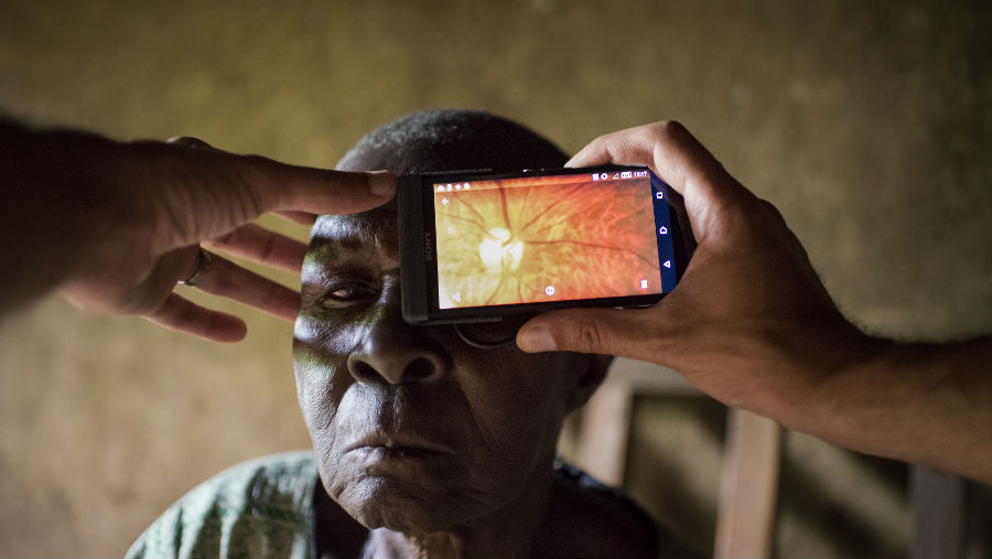 Story: CBM partners with Peek Vision, Image: The Peek Retina application for mobile phone - Kenya