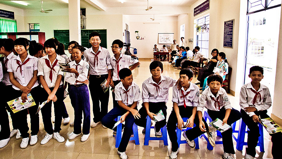 School children in Vietnam/Story: Health promotion in schools improves eye health literacy in children - research study