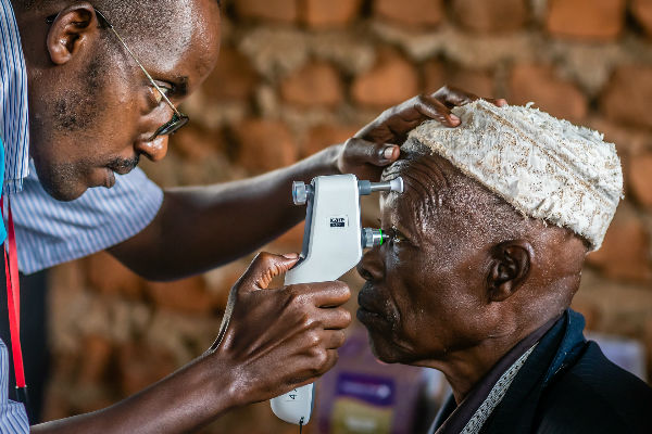 Screening for glaucoma- Terry Cooper, Professional photocomp winner 2018