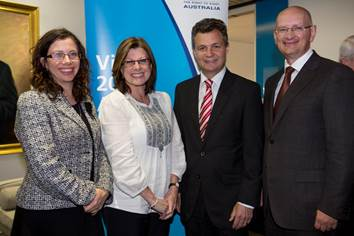 Jennifer Gersbeck with key members of the Australian Government at the Vision Summit held in Sydney.