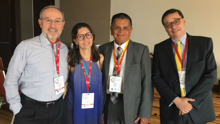 XXV Regional PAAO - Curso Regional Panamericano de Oftalmologia/ With colleagues at the meeting