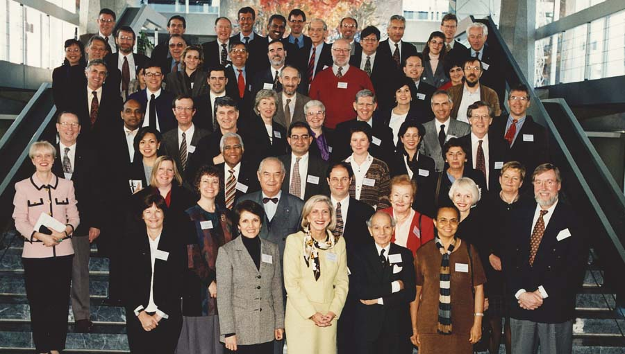participants at WHO meet; 1998