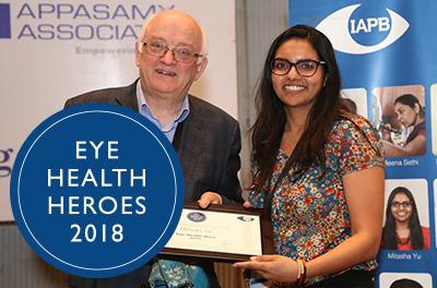 IAPB President Bob McMullan presenting the Eye Health Heroes 2017 certificate to Mitasha Yu