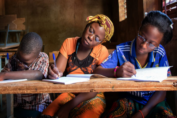 Burkina Faso school children benefit from their first glasses - Graham Coates
